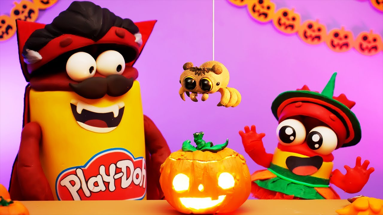 Halloween Candy and Scary Spiders!!! | Play-Doh Show Stop Motion | Play-Doh Official