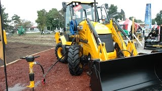 JCB Launches 3CX Compact Backhoe at ICUEE 2015