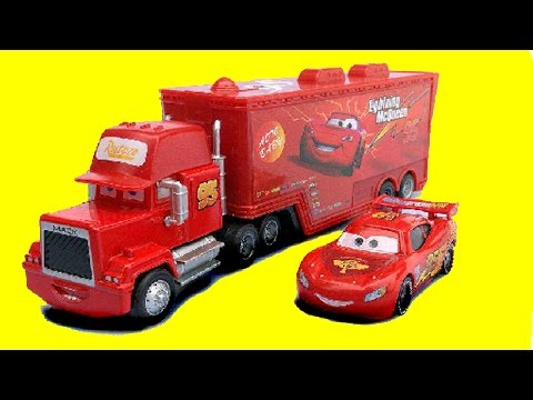 Disney Pixar Cars Lightning McQueen Gets a Flat Tire, Red Mack Hauler Toy Cars Movie Fun for Kids!
