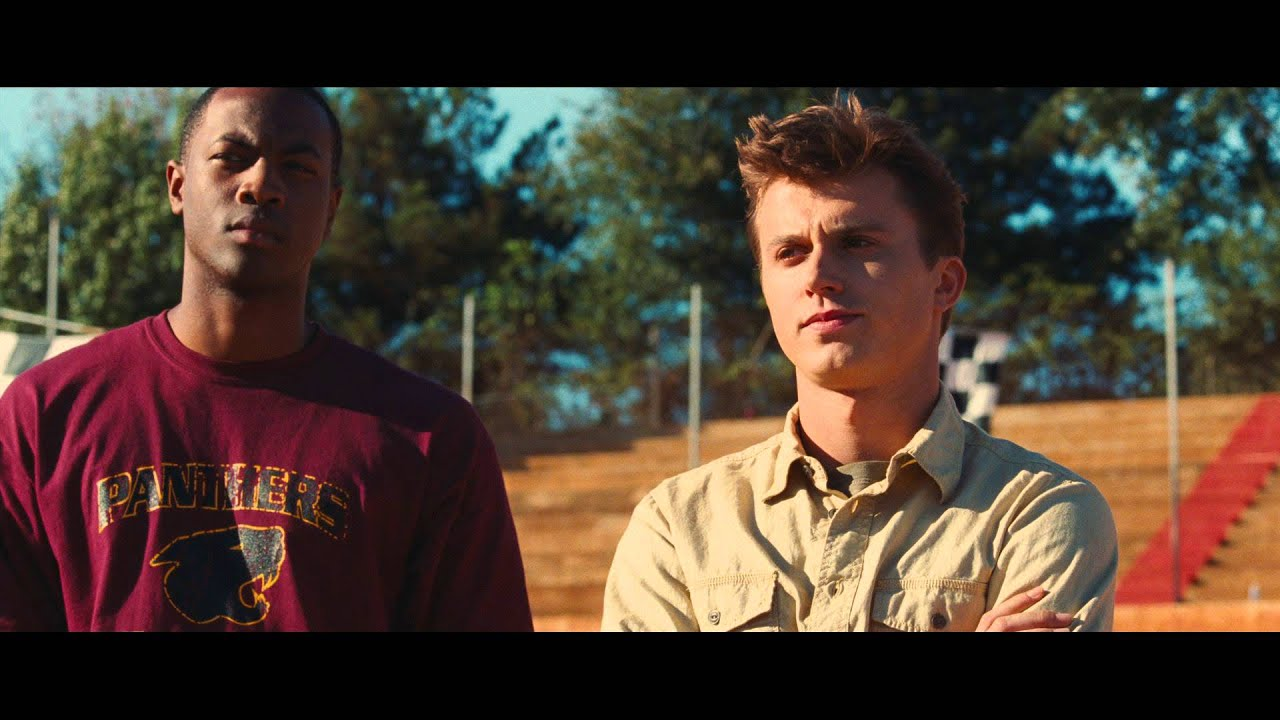 6 Differences Between The Original Footloose Film Its 2011 Remake Country Music Nation