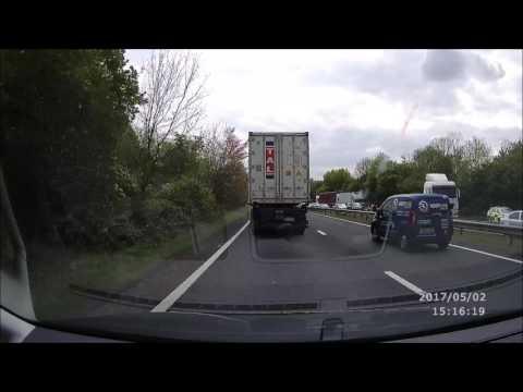 A34 Newbury Lorry Crash - RoadHawk HD Dash Cam
