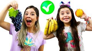 Heloísa e Mamãe fazem boas escolhas e trocam doces por frutas