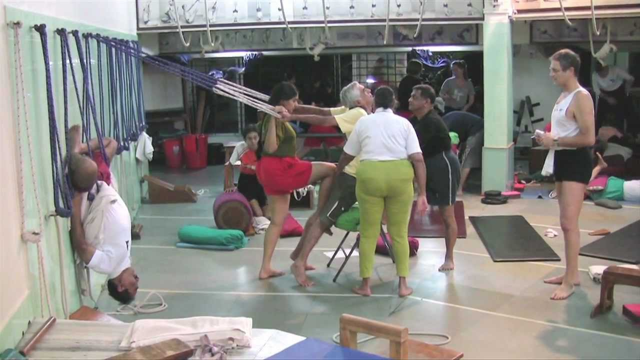 A medical yoga class with Dr Geeta S. Iyengar.mov - YouTube