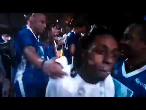 lil-wayne-caught-on-camera-trying-to-fight-camera-man
