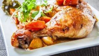Курица в духовке с овощами и картошкой. Курица в духовке с картошкой. Курица с картошкой в духовке.