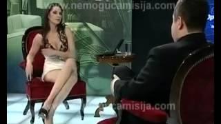 Телеведущая без трусов застесняла президента 18+ mp