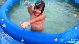 Купаемся в бассейне моё первое видео!)(Купаюсь в бассейне), 2016-07-01T13:52:35.000Z)
