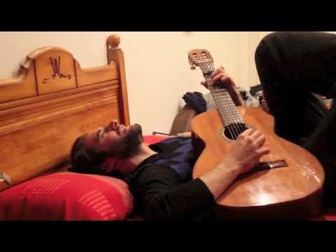 Llorenç González singing