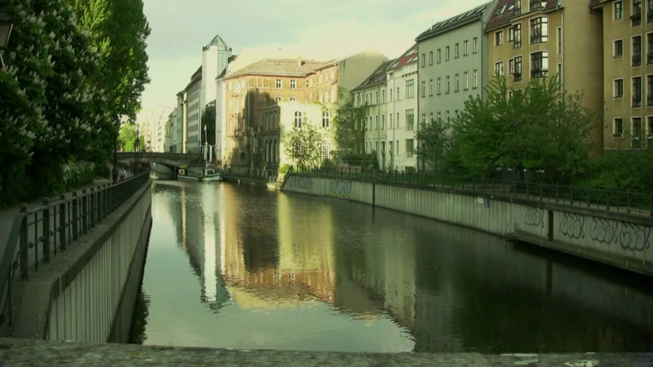 Mitte in Berlin (Cölln-Berlin) - YouTube