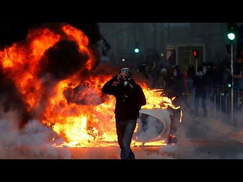 """""""Coletes Amarelos"""": O rasto da violência em Paris"""