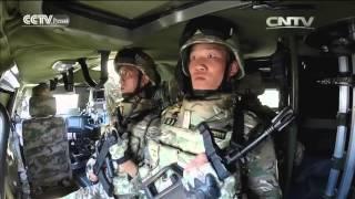 На плацу - колонна легкой военной техники