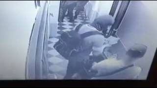Видео обыска с камер наблюдения вьетнамской квартиры в Одессе(, 2016-05-24T07:58:30.000Z)