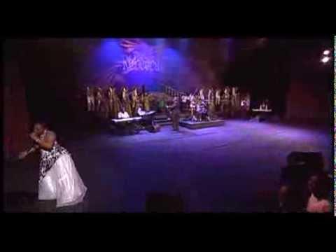 Rebecca Malope Sthembele Kuwe Mangingavumi ft Tshwane Gospel Choir LIVE