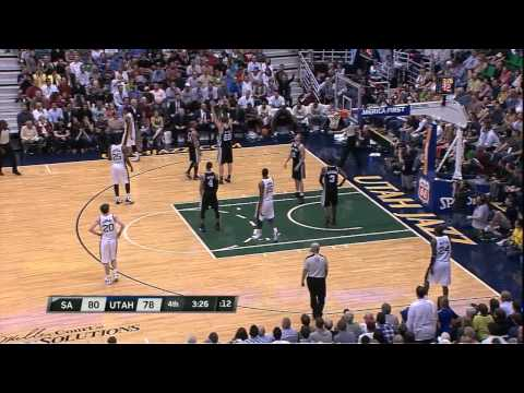 Devin Harris takes over 4th qtr vs. Spurs 04-09-12
