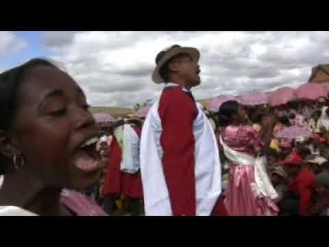 RAMILISON BESIGARA - EFA IZAY IZANY KA INDRAY [ FILM HIRAGASY ]