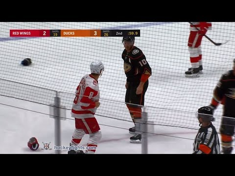 Justin Abdelkader vs Corey Perry Mar 16, 2018