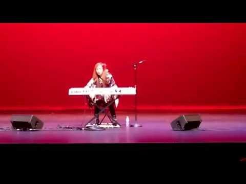 Junko Fujiyama live performance