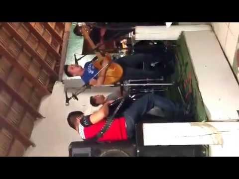 El Castillo Restaurante - Música en vivo