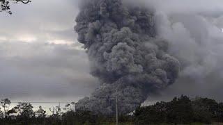 Cloud of ash from Hawaii's Kilauea volcano prompts