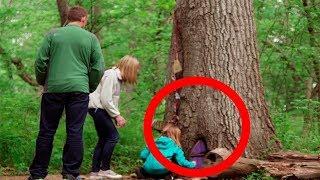 Они Нашли Секретную Дверь в Дереве, Когда Они Заглянули Внутрь...