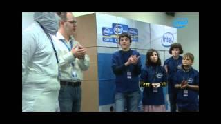 Познавательное приключение для детей-сирот в Intel
