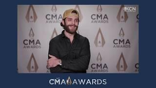 THOMAS RHETT CHATS AFTER REHEARSALS AT 53RD CMA AWARDS