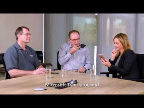 Marlee Matlin tries out Microsoft Translator