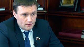 Смотреть Сергей Пахомов. Интервью в канун Нового года онлайн