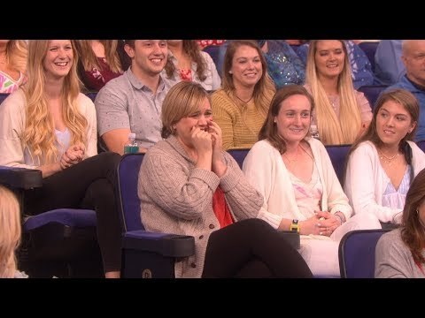 Ellen Steals an Audience Member's Purse