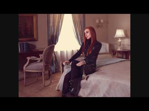 Tori Amos - Strong Black Vine (Instrumental / Karaoke)