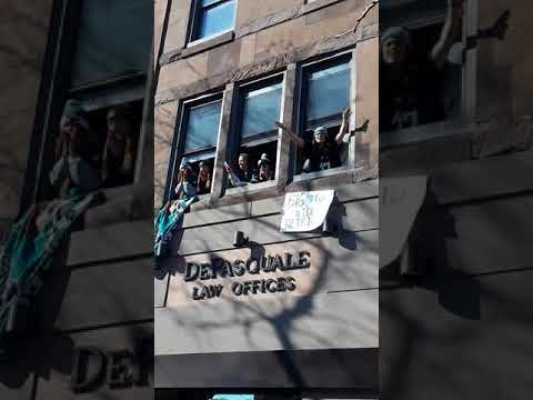 Eagles 2018 Super Bowl Parade - Mardi Gras Girls