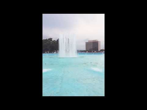 SloMo Friendship Fountain