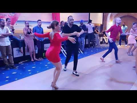 dating in the salsa scene