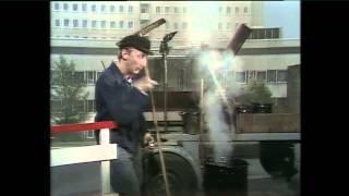 Die Otto-Show VI – Teer-Export (Zigaretten)