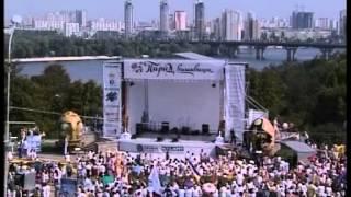 Украина отпразднует День независимости парадами вышиванок и байкер-шоу