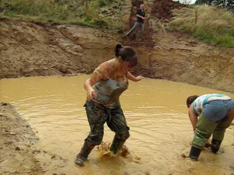 Two Girls Mud Wrestling - YouTube