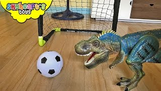 PET DINOSAUR Playing Soccer - Playtime with mimi the dinosaur toys for kids ball game fun Skyheart