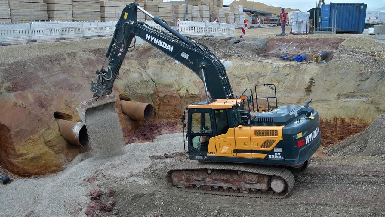 Hyundai HX220 ANL auf der Baustelle des größten deutschen Sägewerkes
