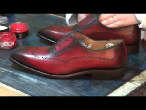 cirer cr mer des chaussures en cuir chaussures patines youtube. Black Bedroom Furniture Sets. Home Design Ideas