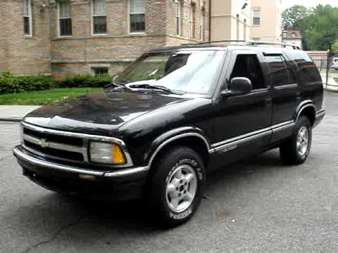 1997 Chevrolet Blazer LS 4.3 Vehicle Overview - YouTube