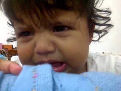 Bayi nangis lucu / funny vibrate