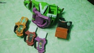 Kamen Rider Ex-Aid Gamer Driver with 3 Gashats Papercraft