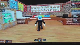 My friend playing roblox for the first time F.Y.I it is cringey