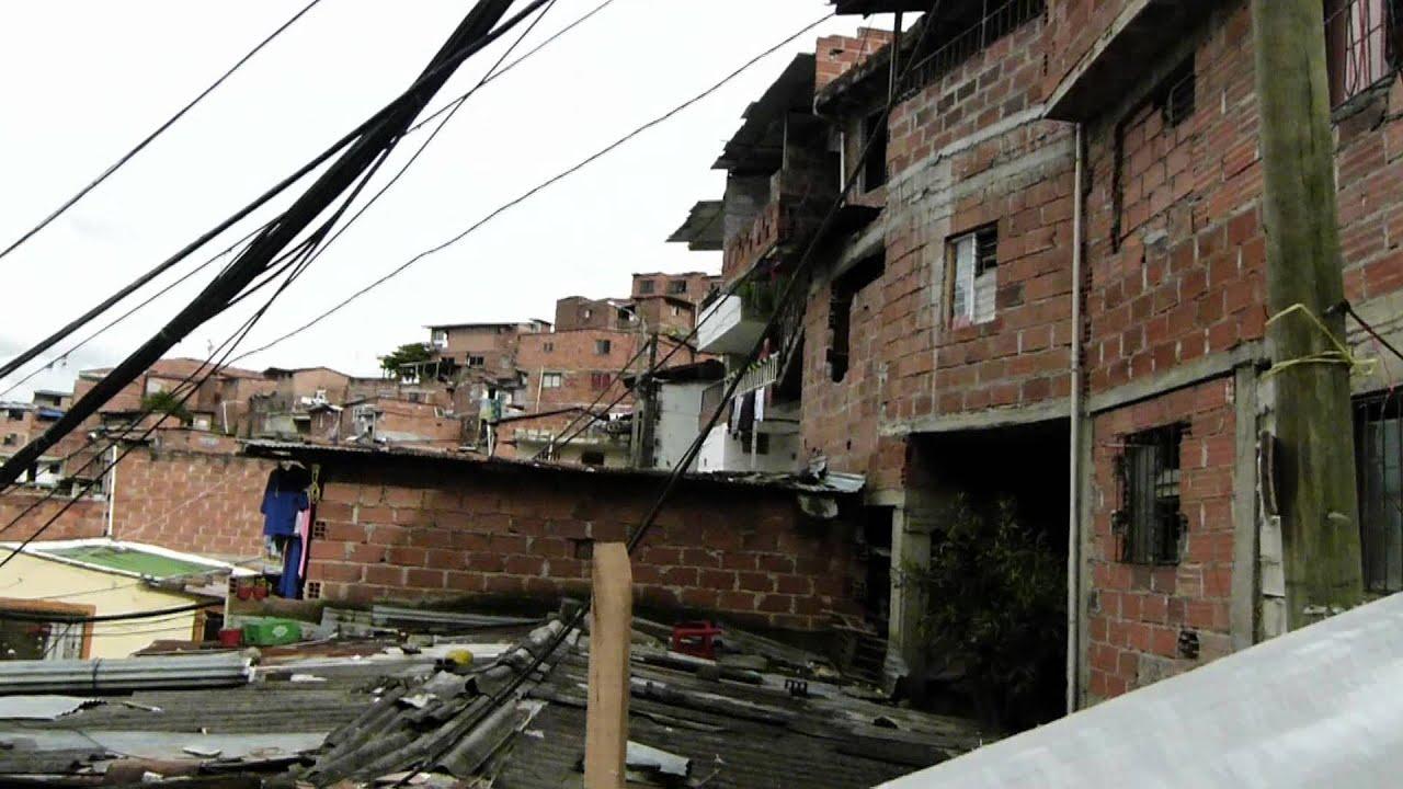 Escaleras El Ctricas Medell N Comuna 13 Mts Youtube