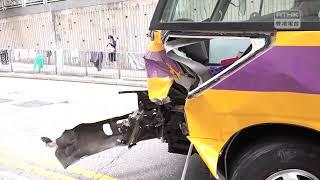 Publication Date: 2019-03-22 | Video Title: 油塘有校巴撞欄 司機及7名學童受傷