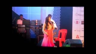 Shreya Ghoshal sings Teri Meri Prem Kahani live