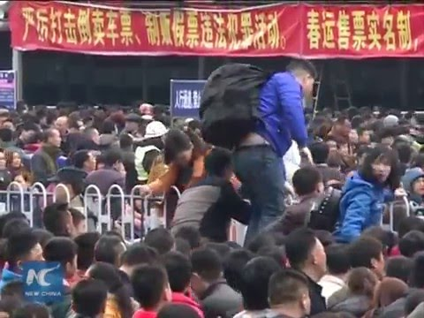 50,000 railway passengers stranded during Spring Festival travel rush