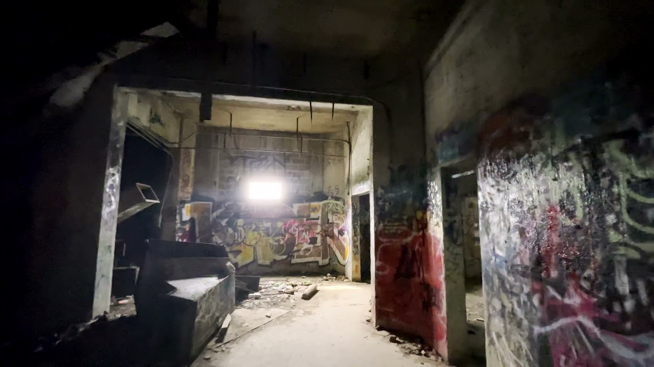 Abandoned Damen Grain Silos Preview (Chicago)