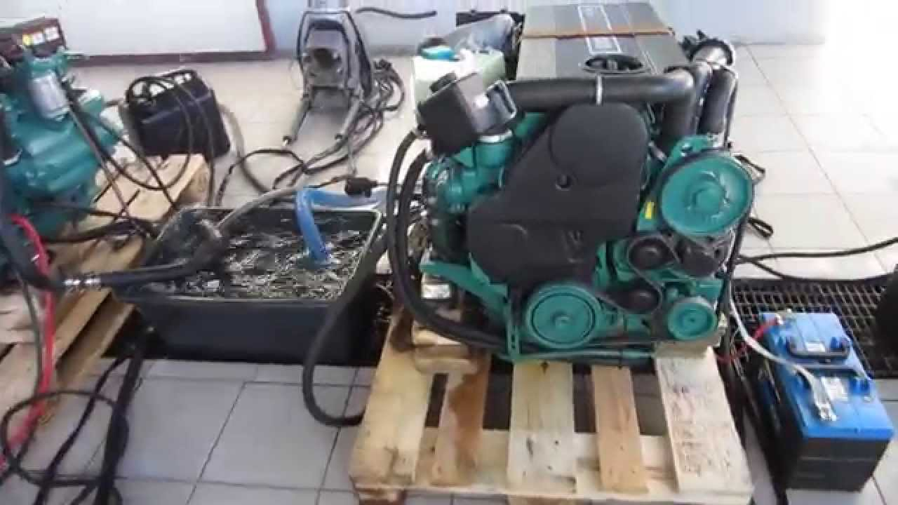 Volvo Penta D3 twin. 160HK 2008modell. - YouTube