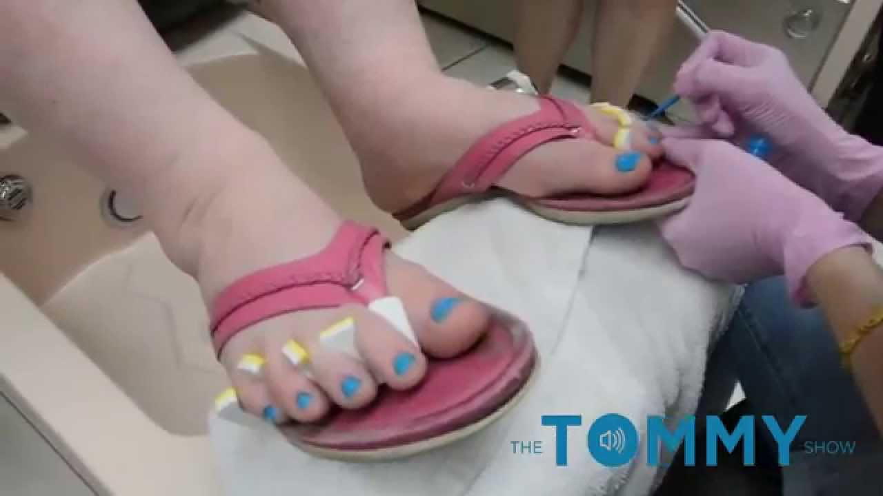 Why are Men and Women painting their toes Teal in Bethesda? - YouTube